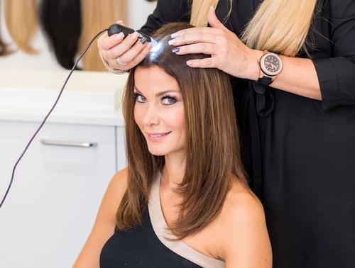 Haarverlängerung Wien Kopfhautanalyse